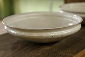 荒賀 文成 粉引六寸馬たらい皿 3,780円(税込)